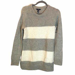 💜5/$25 GAP White & Grey Cozy knit Striped Sweater